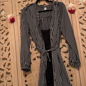 Dresses & Skirts - Old Navy striped dress with sheath